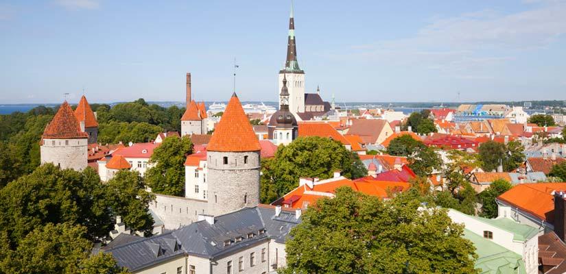 Tallinns vejr og udsigt på en sommerdag